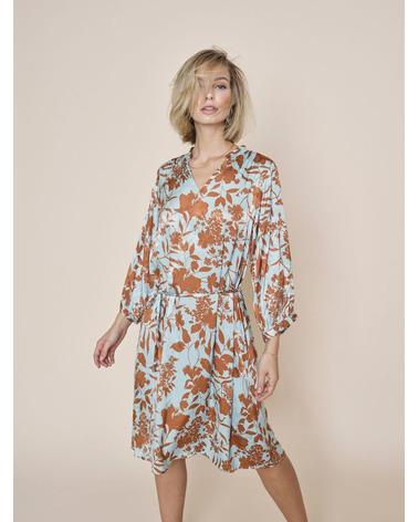 Smuk Mos Mosh RENATA Stencil Dress i viskose her på model