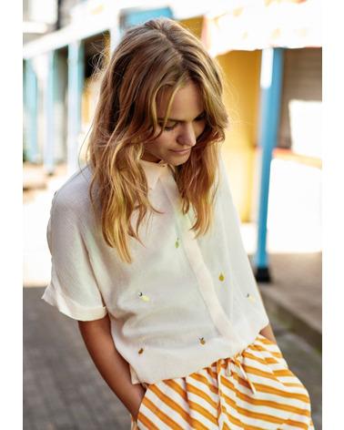Nümph NuBabe Skjorte med skønt citron-print her på model