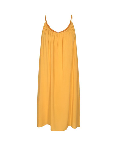 En smuk solgul sommerkjole med stropper i viskose fra Soyaconcept