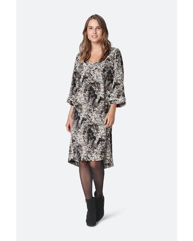 Smuk og elegant kjole i et smukt og stilfuld print. Ilse Jacobsen Nice7358FEUIL kjole